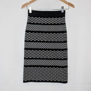 EUC black.and white sweater skirt